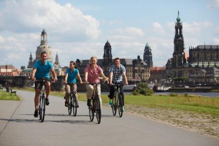 Elberadweg durch Dresden